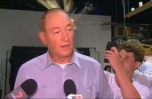 كاسر البيضة على رأس السيناتور النيوزيلندي يفاجىء متابعيه بموقف جديد