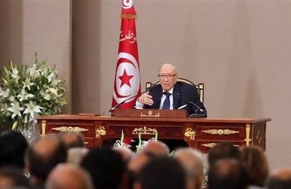 الرئيس التونسي: السلطة أصبحت في يد رئيس الوزراء ولابد من تقليصها
