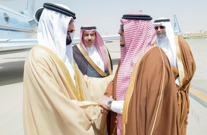 ناصر بن حمد آل خليفة يصل إلى الرياض لحضور اختتام مهرجان الإبل