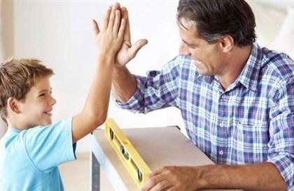 تقدم عمر الأب يهدد الطفل بالأمراض