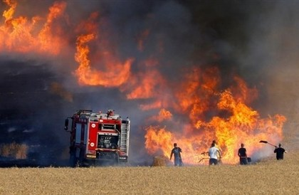 بالون حارق من غزة يُحرق كيبوتزا إسرائيلياً