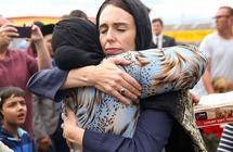 آلاف الأشخاص يوقعون على عريضتين لمنح رئيسة وزراء نيوزيلندا جائزة نوبل