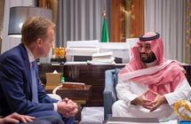"""ولي العهد يلتقي رئيس المنتدى الاقتصادي العالمي """"دافوس"""""""