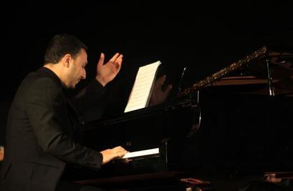 رامي عرفات... بين التوزيع الموسيقي وهندسة الصوت