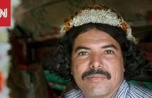 """""""رجال الزهور"""" في السعودية..صور لقبائل تعيش في أعالي الجبال"""