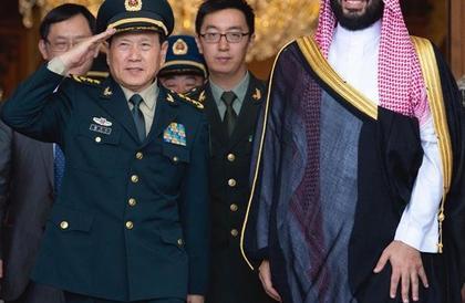ولي العهد يلتقي وزير الدفاع الصيني ويبحثان العلاقات الثنائية والأوضاع في المنطقة