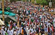 السوادان: حشود تنضم الى اعتصام وزارة الدفاع للمطالبة بسلطة مدنية   البوابة