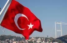 أنقرة تندد باستقبال ماكرون أكراداً سوريين