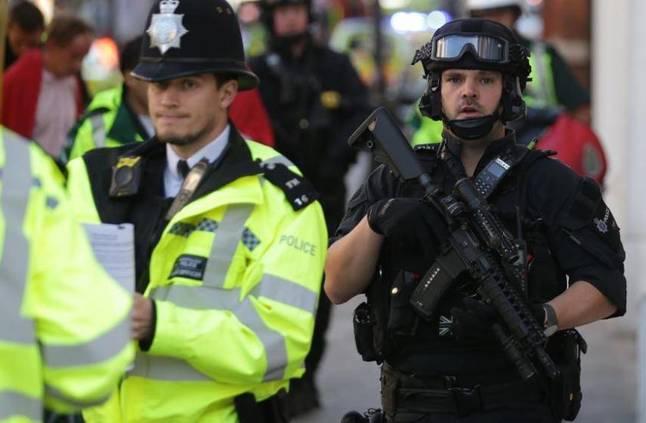 الشرطة البريطانية تعتقل مئات المحتجين