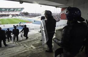 مباراة في الدوري الجزائري تنتهي بمأساة بين المشجعين