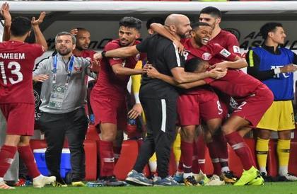 """""""صنع في قطر"""" يكشف كواليس إنجاز العنابي رغم """"المضايقات"""""""