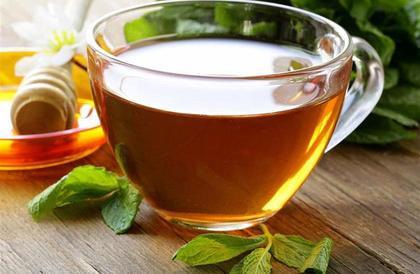 ينقص الوزن ويحسن الهضم.. إليك فوائد الشاي الأحمر والطريقة الأفضل لتحضيره