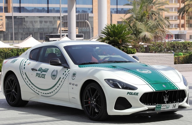 """""""مازيراتي جران توريزمو"""" تنضم لأسطول دوريات شرطة دبي الفارهة"""