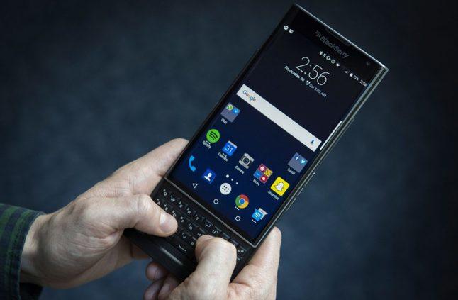 """البلاكبيري تعمل ربما على هاتف ذكي جديد يحمل الإسم الرمزي """" Monet """" - إلكتروني"""