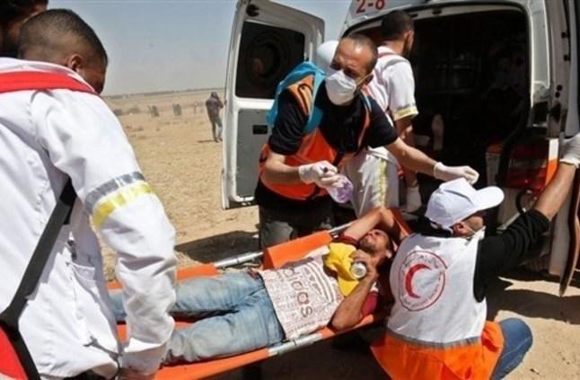 """إصابة العشرات في""""مليونية العودة"""" على حدود غزة"""