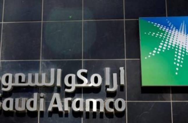 أرامكو تستأنف ضخ النفط عبر خط الأنابيب الذي استهدف أمس