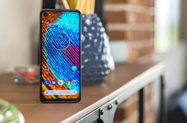 الإعلان رسميًا عن الهاتف Motorola One Vision مع كاميرا بدقة 48MP، ومعالج من فئة Exynos 9609 - إلكتروني