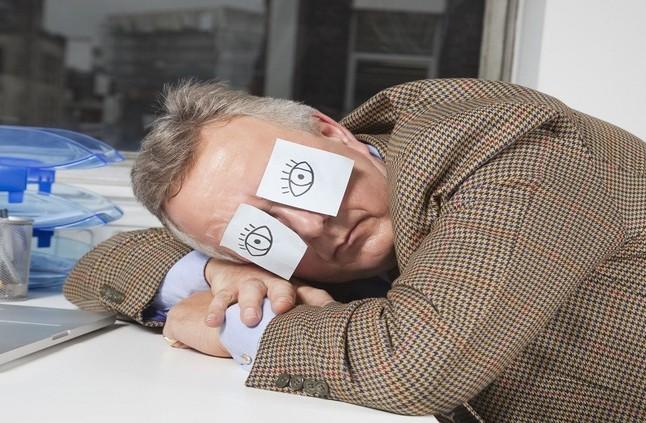 8 نصائح لطرد الكسل بعد ليلة نوم متعبة!