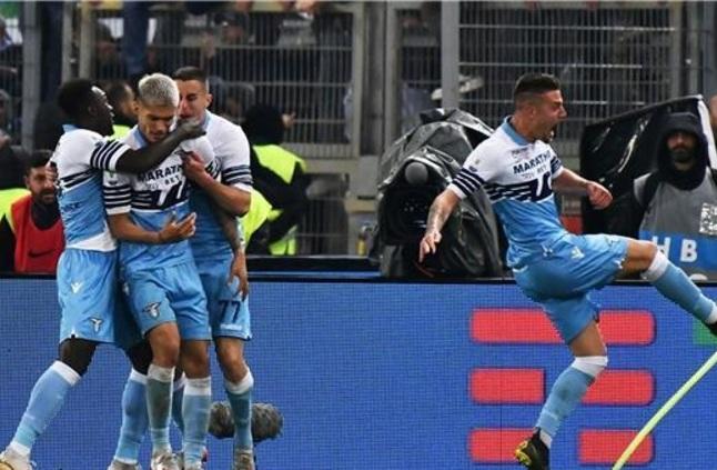 لاتسيو يتوج بكأس إيطاليا على حساب أتالانتا
