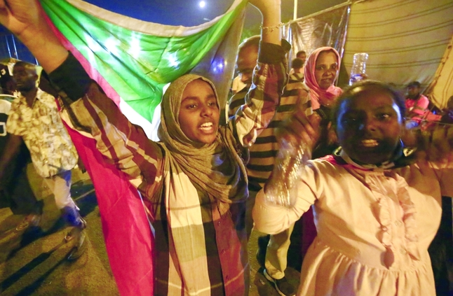 السودان.. فترة انتقالية ثلاث سنوات و«التغيير» تسيطر على البرلمان