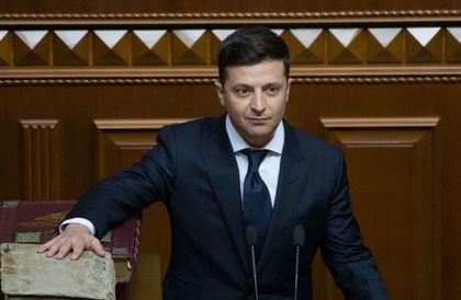 أول قرار للرئيس الأوكراني الجديد بعد استلامه للرئاسة