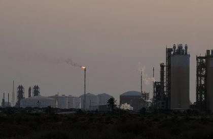 مداخيل ليبيا من النفط تتراجع 11% في النصف الأول من العام