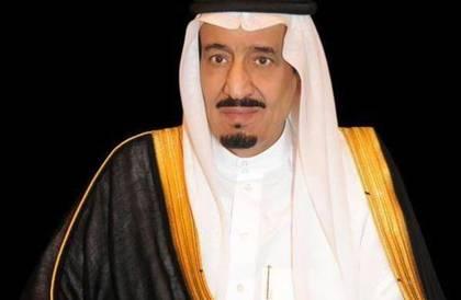 خادم الحرمين الشريفين يطمئن هاتفياً على صحة أمير الكويت