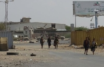 ميليشيا الحوثي تخرق الهدنة الأممية في الحديدة بالقناصة والهاون