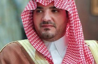 وزير الداخلية يرفع التهنئة للقيادة بمناسبة نجاح العملية الجراحية لولي العهد