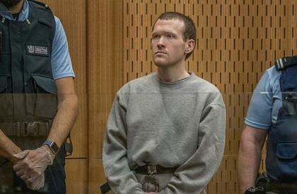 مرتكب مذبحة المسجدين في نيوزيلندا يطلب مراجعة ظروف سجنه.. والمحكمة تعقد جلستها غدا