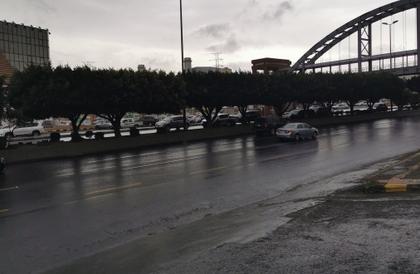الدفاع المدني : أمطار غزيرة تؤدي إلى جريان السيول