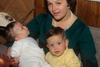 وهي والدة الملك عبدالله ملك الأردن الحالي