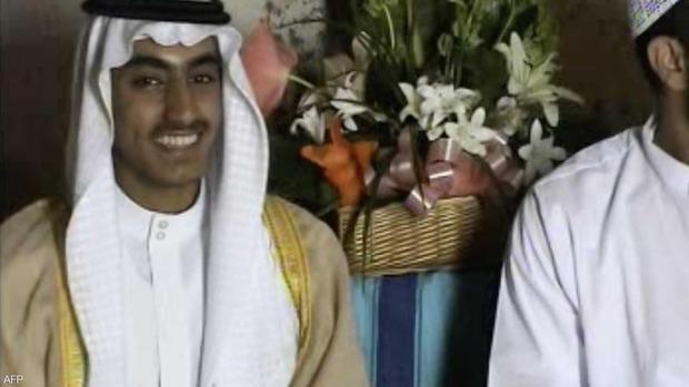 عرضت الولايات المتحدة مكافأة قدرها مليون دولار، لمن يدلي بمعلومات تساعد في القبض على حمزة نجل زعيم تنظيم القاعدة الراحل أسامة بن لادن.. لكن ماذا تعرف عن حمزة ؟