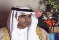 كما أنه يحفز أتباعه للأخذ بثأر أبيه وأخيه خالد، الذي قتل أيضا في غارة أمريكية على أبوت آباد