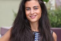 اللبنانية أودري نكد .. المؤسسة والرئيسة التنفيذية لشركة Synkers المتخصصة في ريادة الأعمال المجتمعية .. وتبلغ من العمر 27 عام