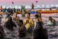 قبل المهرجان تثار بعض التخوفات الصحية بسبب تلوث مياه النهر بسبب الإزدحام الشديد