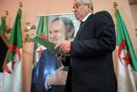 وقدم بوتفليقة استقالته بعد مظاهرات حاشدة في الجزائر رفضًا لترشحه لفترة رئاسية جديدة بسبب عجزه بفعل المرض