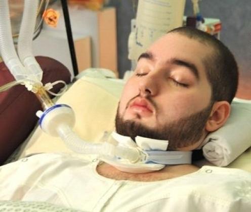 تعرض الأمير الوليد بن خالد لحادث سيارة عام 2005 أثناء وجوده للدراسة بالكلية العسكرية حين كان عمره 18 عامًا
