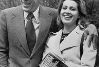 تزوج كوين بعدها من مصممة الأزياء الإيطالية جولاندا أدولوري في عام 1966 وأنجب