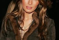 من مواليد 26 أبريل 1970، ولدت في سلوفينيا التي كانت جزءً من يوغوسلافيا في ذلك الوقت
