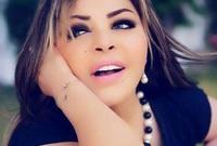 والدها المغني الجزائري الشهير عبد الحميد عباسية وأختها المغنية نعيمة عباسية