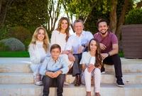 لديهما 4 أبناء هم الحسين وهاشم وسلمى وإيمان