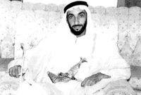 قام بالتعاون مع الشيخ راشد بن سعيد آل مكتوم حاكم دبي بالاتفاق مع 4 إمارات أخرى هي الشارقة، عجمان، أم القيوين، الفجيرة على إعلان الاتحاد بينهم عام 1972 ويتم تأسيس دولة الإمارات ويصبح هو أول رئيس لها