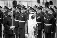 كان له مواقف كثيرة مع مصر خلال حرب أكتوبر المجيدة بين مصر وسوريا وبين إسرائيل حيث قام هو والملك فيصل بالدعوة لحظر النفط العربي على دول العالم المساندة لإسرائيل