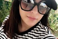 وردًا على نشرها العديد من تفاصيل حياتها عبر حساباتها في مواقع التواصل الاجتماعي، قالت إن السبب في ذلك يعود لإحساسها بالفراغ لقضائها ساعات طويلة وحدها بالمنزل.
