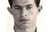 وبالفعل سافرت عائلته لإسرائيل ولكنه بقى في مصر لتنفيذ مخططاته وكان برفقة الجاسوس الإسرائيلي ابراهام دار وقاما بالعديد من الأعمال التخريبية