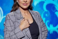 خلال مسيرتها حازت على العديد من الجوائز منها جائزة أفضل ممثلةٍ لبنانية في عامي 2012 و2014