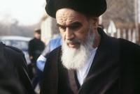 أصبح روح الله الخميني المرشد الأعلى للبلاد في الفترة من (1979-1989)، وهو منصب تم إنشاؤه في دستور الجمهورية الإسلامية الإيرانية كأعلى سلطة سياسية ودينية للأمة، وحمل لقب آية الله العظمى.