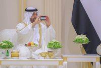 ولي عهد أبو ظبي أثناء حضوره الزفاف
