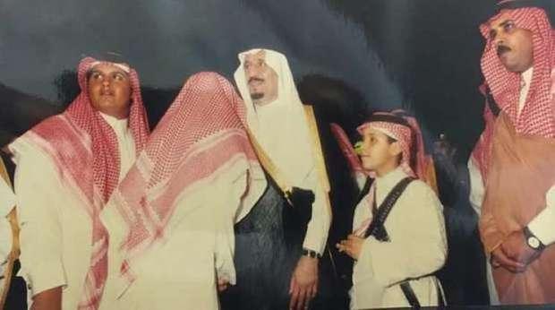 شاهد مجموعة لقطات نادرة لخادم الحرمين الشريفين سلمان بن عبد العزيز وولي العهد الأمير محمد بن سلمان